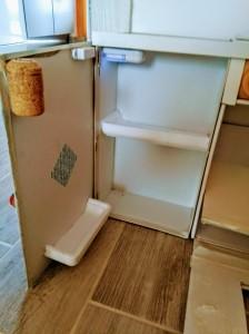 giocattolo fai da te: cucina giocattolo, frigo